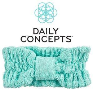 5/$25❣️ Daily Concepts Beauty Headband Teal